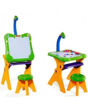 Molto rašomas stalas su projektoriumi ir magnetine lenta